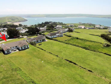 The well furnished well located house Tristan, a holiday rental near Daymer Bay, Cornwall, with its fantastic location within walking distance of the sea and beaches.
