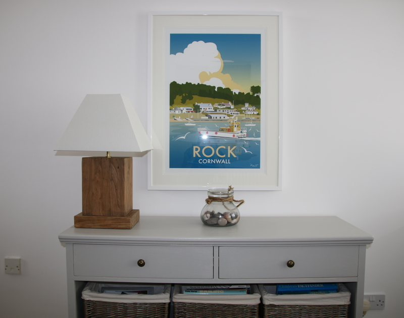Attractive coastal style furnishings in Slipway 10, holiday cottage in Rock