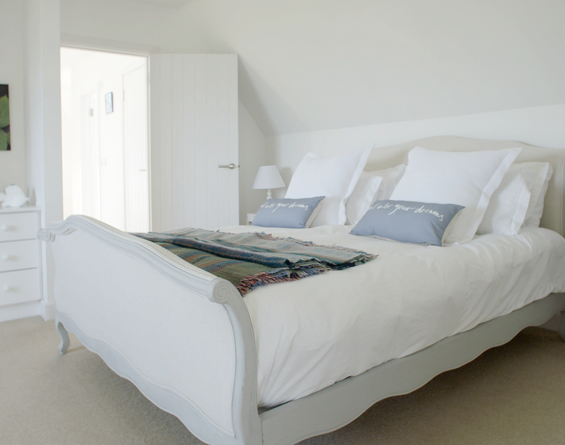 The restful master suite at Greenaway Heights with super king size bed and ensuite bathroom self catering holiday home in Daymer Bay, North Cornwall.