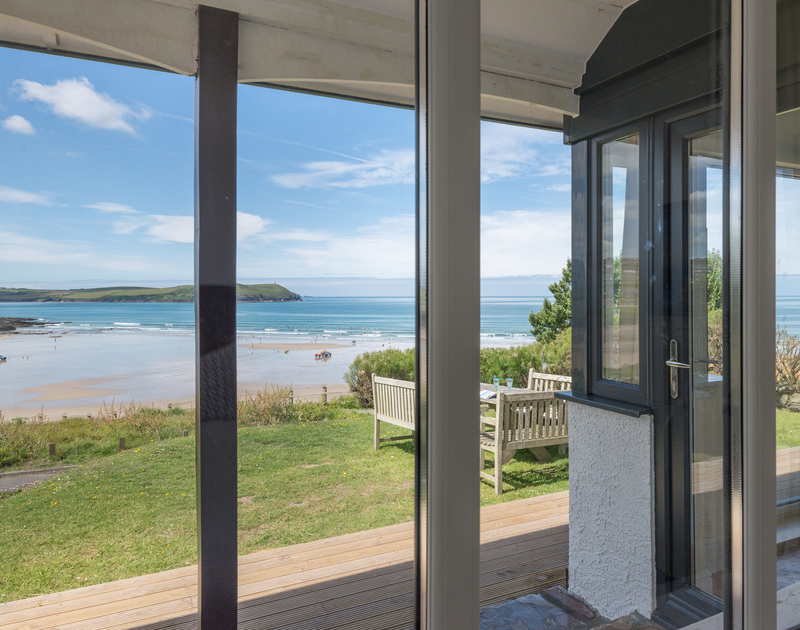 Breaktaking coastal views from Low Cliff Cottage, a self-catering holiday cottage in Polzeath, Cornwall
