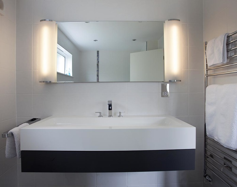 The stylish modern family bathroom at Lyonesse in Rock, North Cornwall