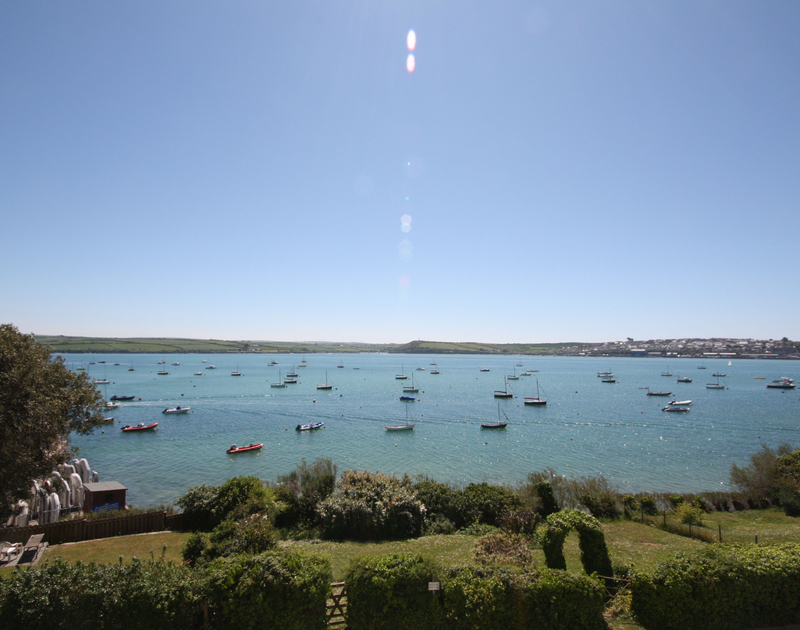 With far reaching sea views over the Camel Estuary to Padstow, The Terrace 2 also offers a garden set right on the waterfront in Rock, Cornwall