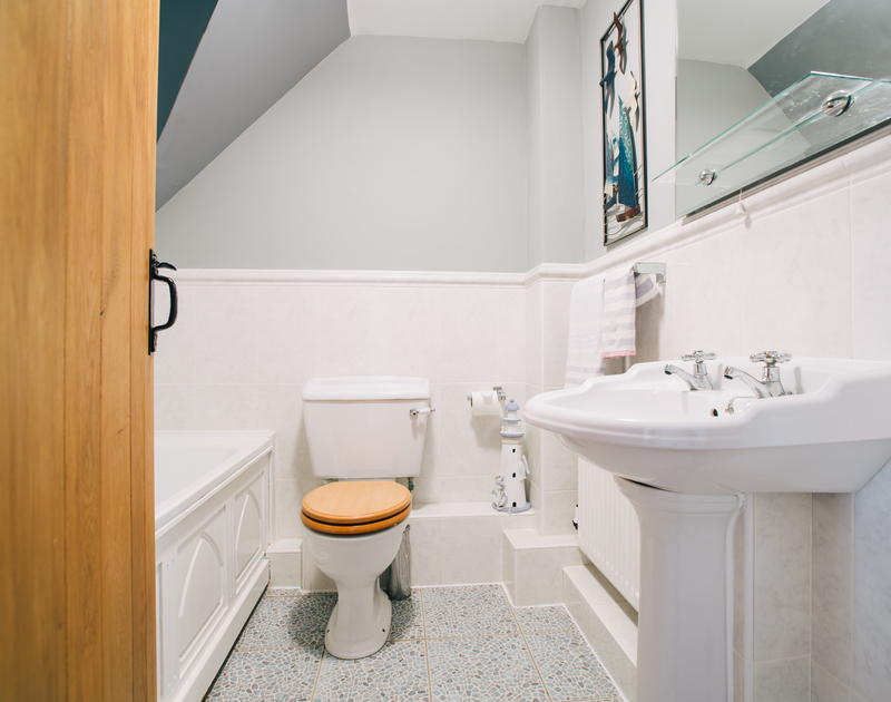 The family bathroom on the first floor at Myth Cottage - a self catering cottage in Rock, Cornwall