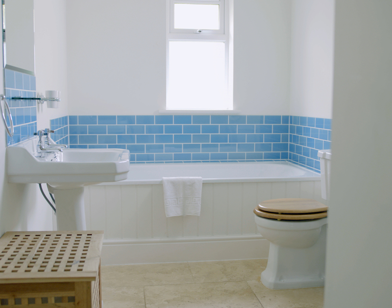 There is a shared family bathroom on the first floor at Treverden, a self-catering holiday house in Polzeath, Cornwall