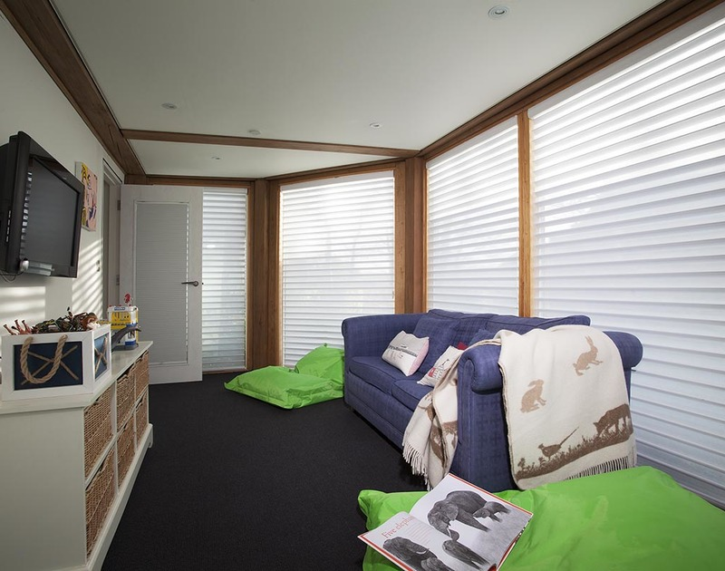 Children and teenagers will enjoy making use of the ground floor TV/ Play room at Gull Rock 4 in Rock, Cornwall