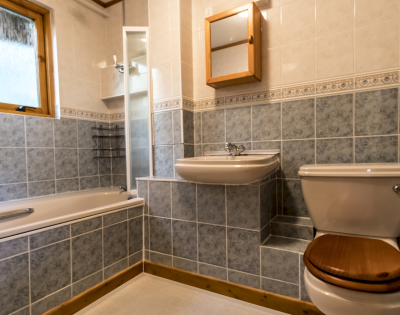 The family bathroom at Owls Rest has an overhead shower and is located on the ground floor