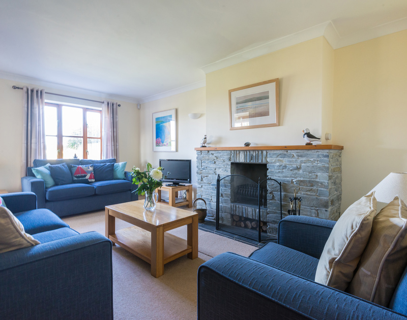 The elegant sitting room in Puffin Cottage, a self catering holiday house to rent in Rock, North Cornwall.
