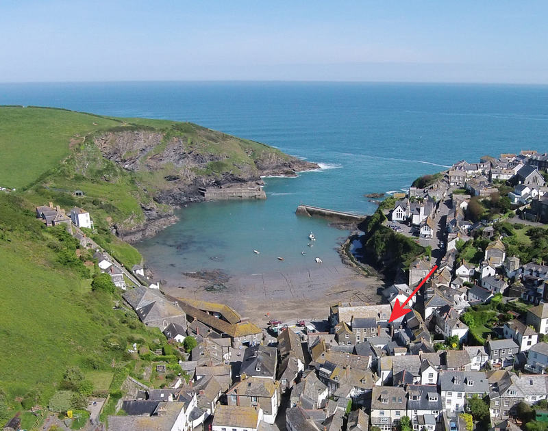 Aerial photo of the location of Cloam Cottage, a self catering holiday cottage nestled in the heart of Port Isaac's fishing community on the North Cornish Coast.