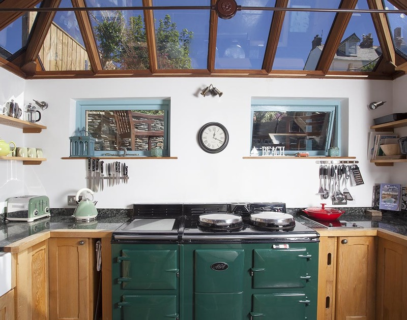 A traditional large kitchen, the perfect place for budding chefs in Fronthill House, a self catering holiday cottage in Port Isaac, Cornwall