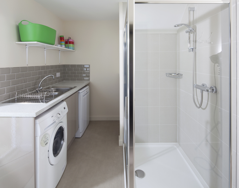 The useful extra shower and utility room at Brae Heights a holiday property in Daymer Bay, North Cornwall.