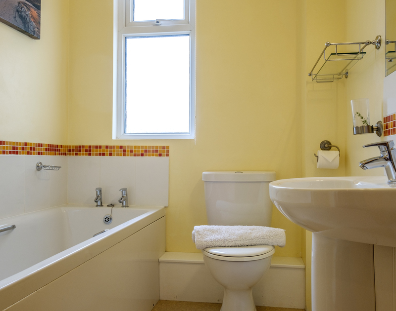 The family bathroom in self catering holiday house Tresawl in Epphaven near Polzeath in Cornwall.