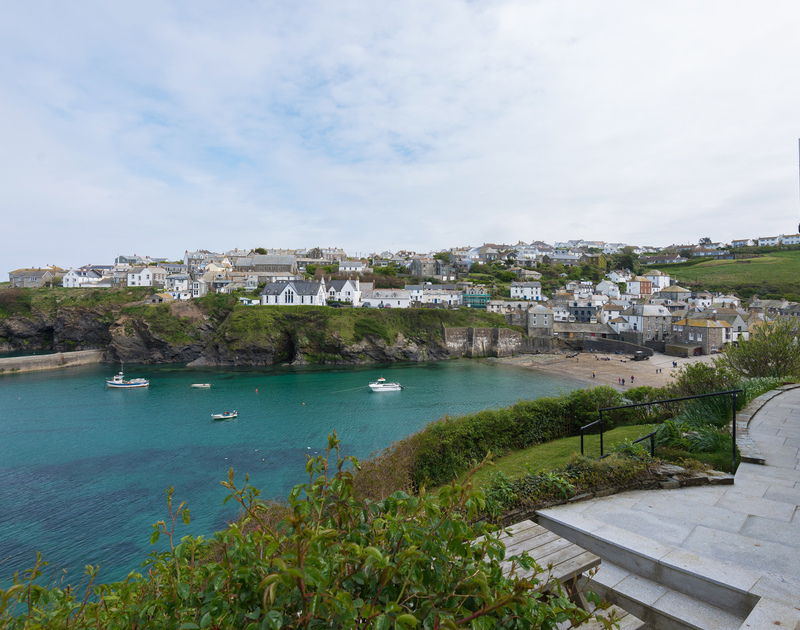 Northcliffe Garden Flat's terrace with its great view of Port Isaac's harbour and village.