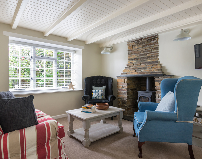 Poplar Cottage has a multi fuel stove/woodburner so out of season, self catering holidays can always be warm and cosy in Port Isaac.