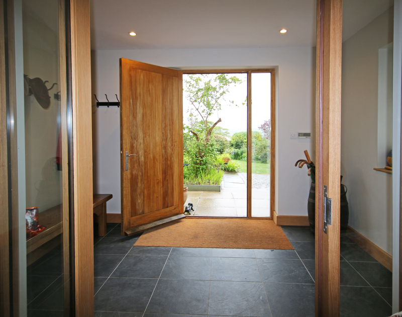 With a huge garden and located so close to the Camel estuary, Greywings has a generous hallway to store all your beach and walking gear