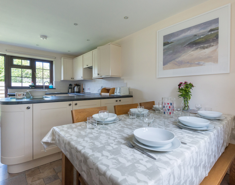 Chat to your family while you prepare lunch in the kitchen diner of Hazelhurst, holiday rental in Rock