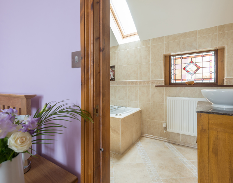 The elegant bathroom ensuite for the master bedroom on the first floor at Fairholme in Port Isaac.