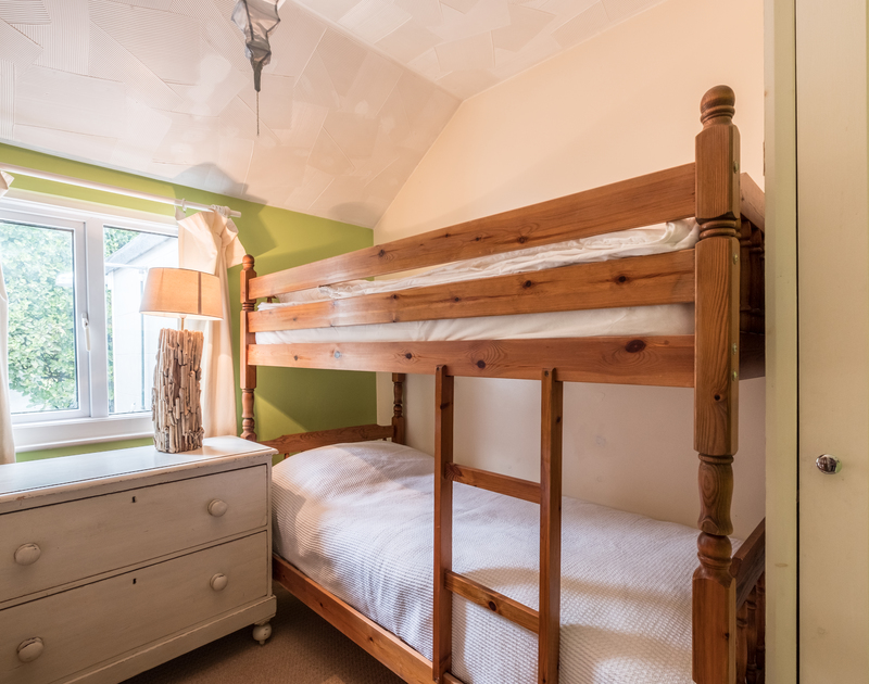 The compact bunk bedroom at self catering, holiday home to rent Sea Reach in Polzeath, North Cornwall.
