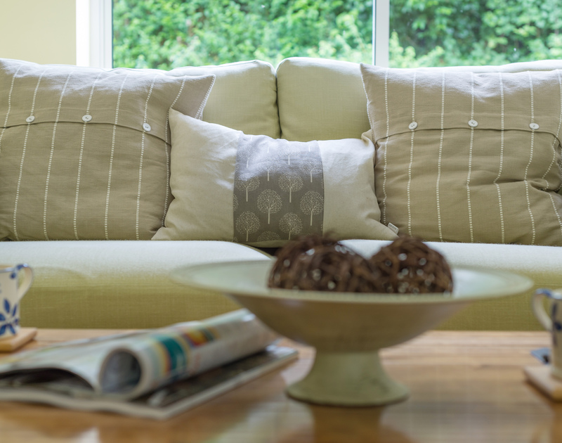 A separate sitting room at Brea offers additional space to relax and unwind on holiday in North Cornwall