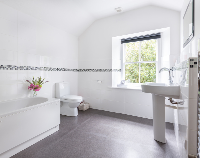 Spacious family bathroom at self catering, holiday cottage Conifers in  Rock, North Cornwall.