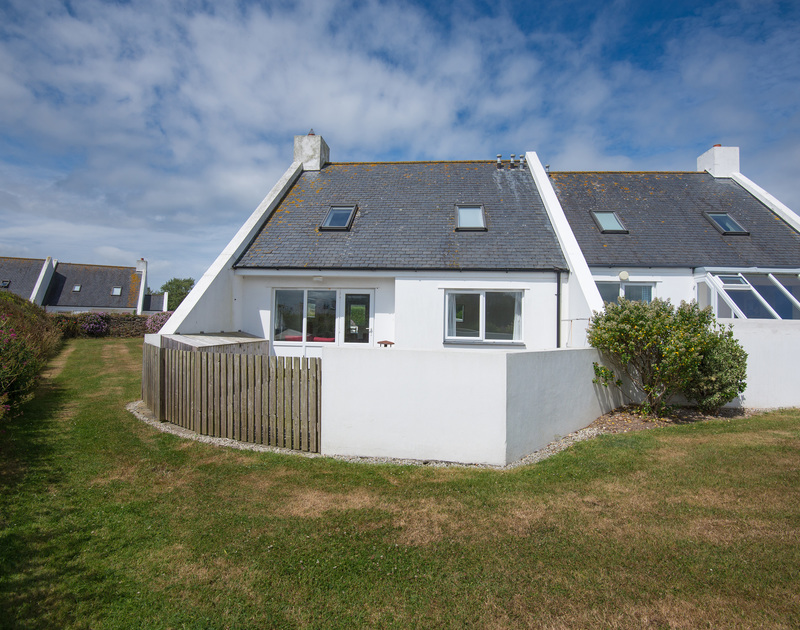 An external view of Kirra, a self catering holiday rental in Polzeath in Cornwall.