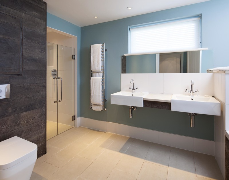 The ensuite shower room adjoining bedroom 7 at Greenaway Reach, a luxury holiday house to rent near Daymer, North Cornwall