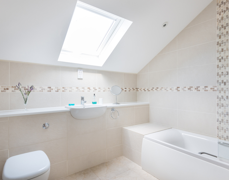 Contemporary and sleek bathroom at Willowbrook, a stylish holiday house to rent in Rock, Cornwall