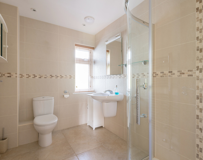 The ensuite bathroom for the master bedroom at self catering, holiday property Willowbrook in Rock, north Cornwall.