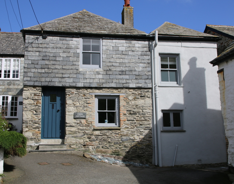 The picturesque slate hung Creel Cottage was built in the 1800's but completely renovated in 2016 providing holiday accommodation in the heart of Port Isaac.