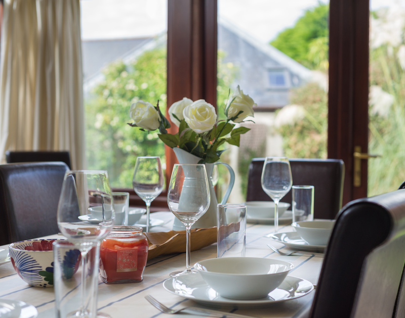 Family meals around the dining table at self catering, Gulls Cottage.