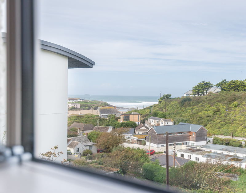 Check the surf from the comfort of one of the double bedrooms at Westray House set in a commanding position a short stroll from the village, sea and beach at Polzeath.