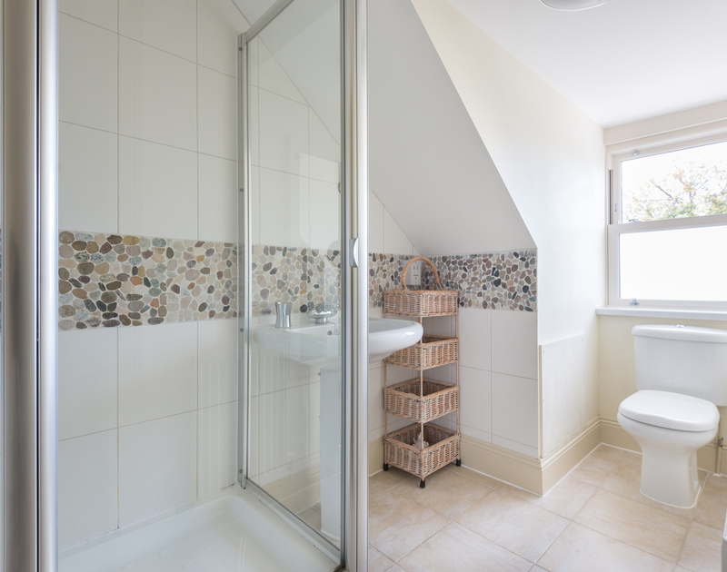 A shower room at Lowenna Manor 5, a self-catering holiday house in Rock, North Cornwall