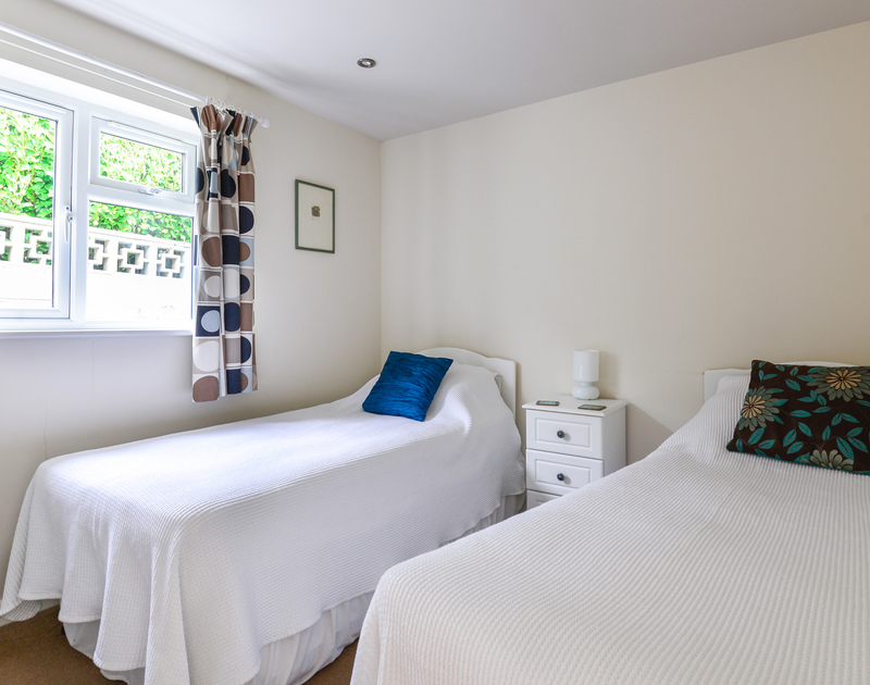 The second twin bedroom at Sea Mist a self catering, coastal holiday house to rent with fantastic sea views on the North Cornish Coast.