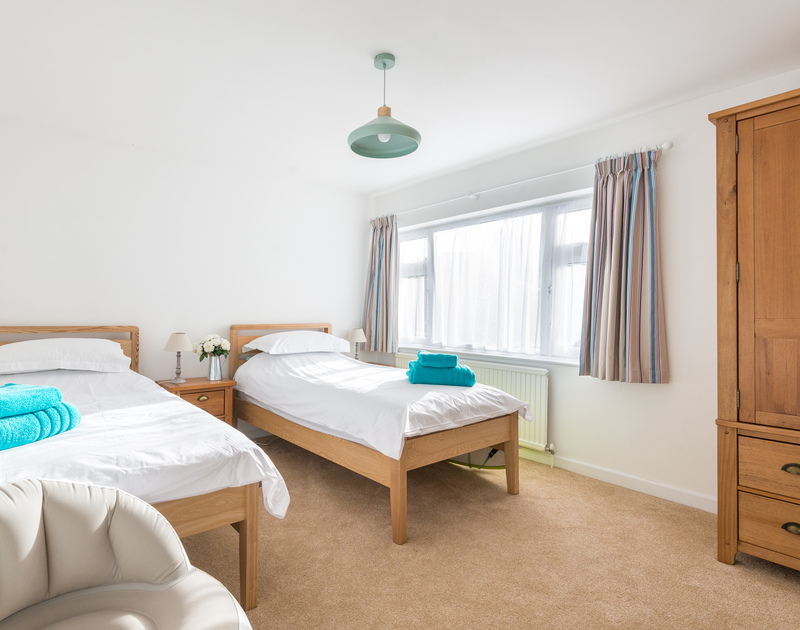 The second twin bedroom at self catering, holiday rental Trelorna in Polzeath, Cornwall.
