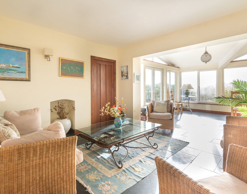 An additional snug seating area of Hob House, a self-catering holiday house at Daymer Bay, Cornwall