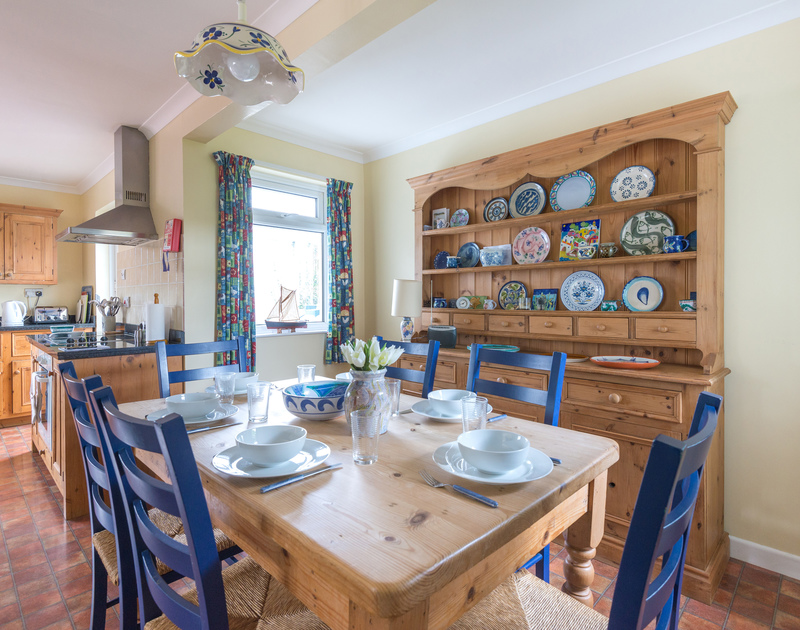 The open plan kitchen/dining room in Little Sailing, pet friendly, self catering holiday accommodation in Rock, North Cornwall.