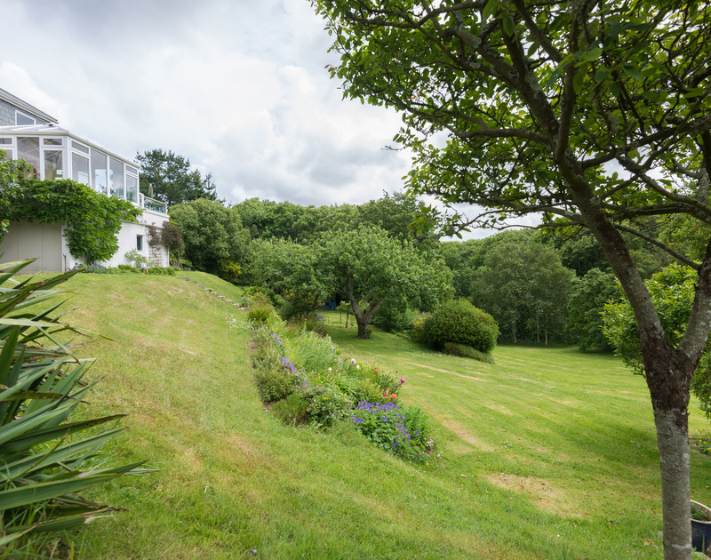 There's something for everyone at Sliggon Field, in the well established and extensive gardens where guests are also welcome to bring a dog or two along to enjoy the family holiday.