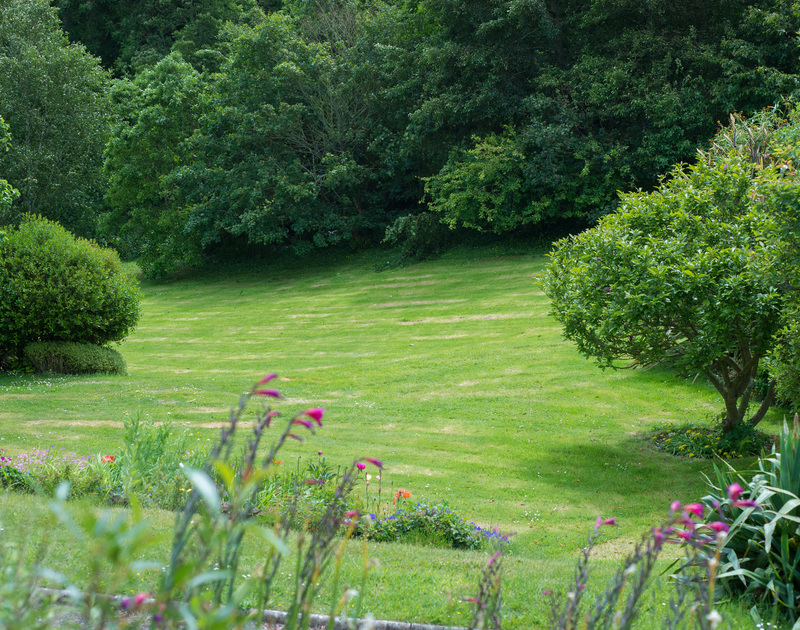 Garden lovers paradise Sliggon Field is set within fabulous gardens with mature trees, pretty plants and plenty of lawn for garden games.