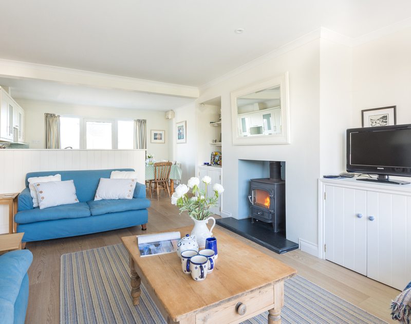 The open plan kitchen/dining room in Pengelly, self catering holiday accommodation in Daymer Bay, North Cornwall