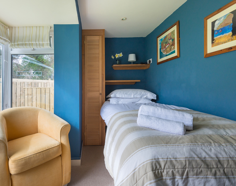 Cosy, single bedroom on the ground floor at seaside holiday retreat, Beachside in Polzeath.