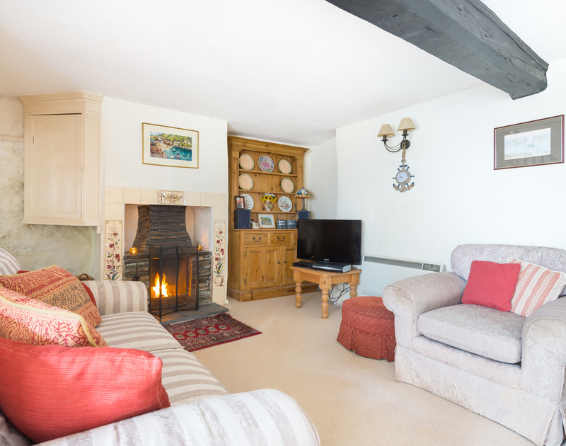 Temple Cottage is a self catering holiday rental in Port Isaac and it has an open fire ideal for relaxing around after bracing Winter walks or blustery Autumn days along the North Cornish Coastline.