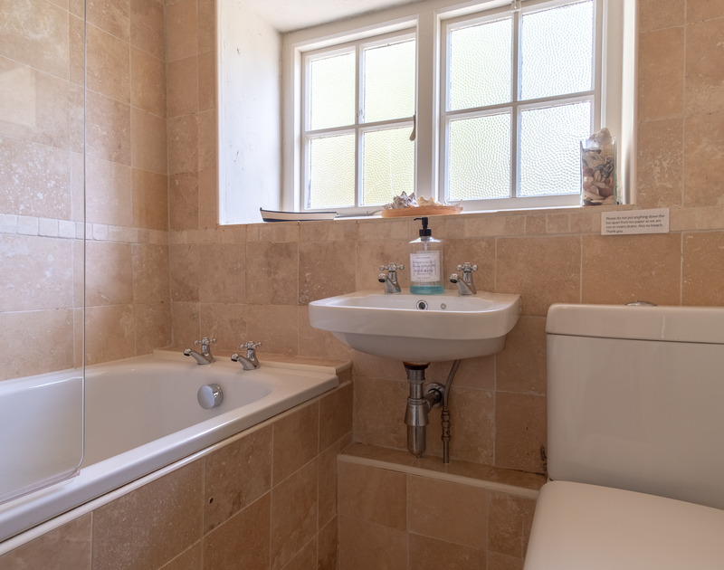 One of the bathrooms at self catering, holiday property Greystones in Daymer Bay.