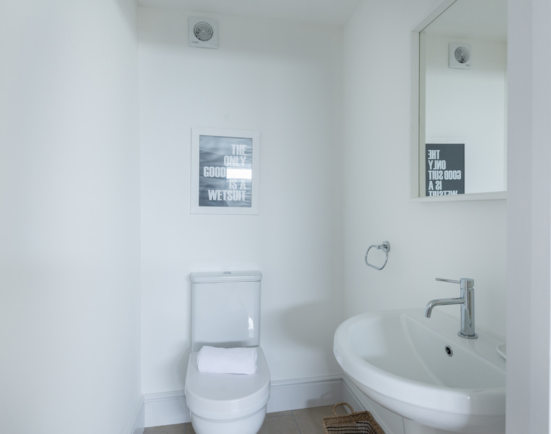 Another bathroom at self catering holiday property Tradewinds in Polzeath.