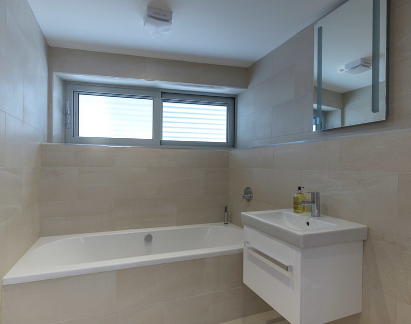 The ground floor family bathroom at Point Break a self catering holiday house to rent in Polzeath, North Cornwall.
