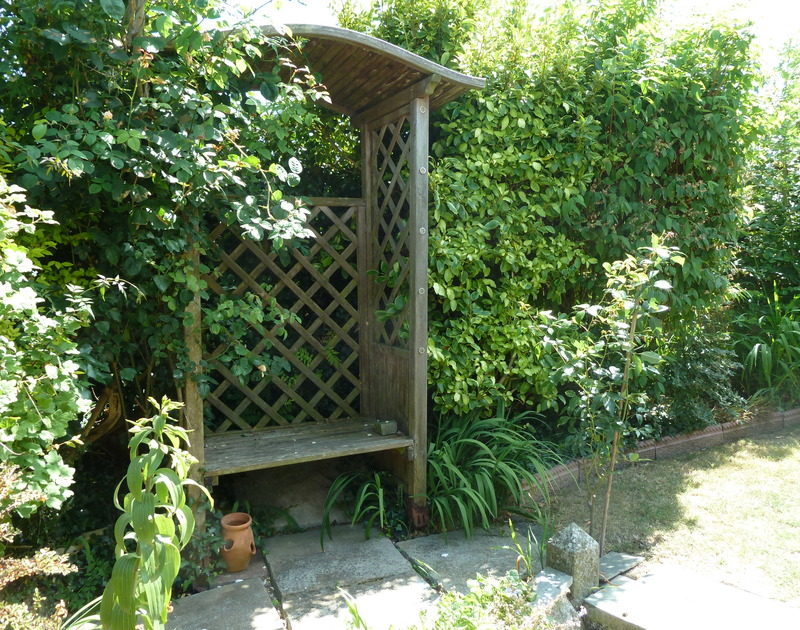 A shady spot in the beautiful garden of dog friendly holiday house Fairholme in Port Isaac in North Cornwall.