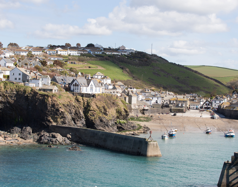 Picturesque Port Isaac's harbour and shingle beach is a moments stroll from characterful holiday rental Temple Cottage.