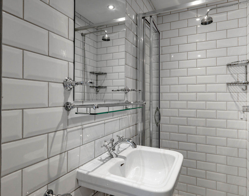 the charming shower room on the ground floor in Old Brea Coach House, Daymer Bay, Cornwall