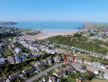 The location of self catering holiday house Westpoint in walking distance of the amenities, beach and surf of Polzeath in North Cornwall.