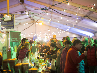 Stay with John Bray Cornish Holidays and enjoy a multitude of celebrity chefs, festive cookery demonstrations and culinary delights at the Padstow Christmas Festival