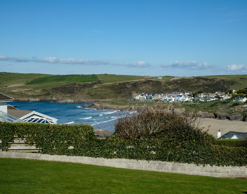 Guests can check the surf from the comfort of self catering holiday property Hillview in Polzeath, North Cornwall.