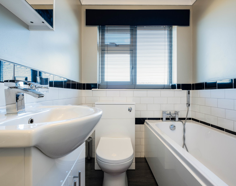 The modern bathroom at Hillview, a self catering holiday house to rent overlooking Polzeath in North Cornwall.